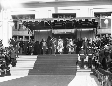 Opening of Parliament, Duke and Duchess of York on steps of Parliament House, 9 May 1927.