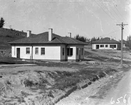 Staff cottages on Mt Stromlo.