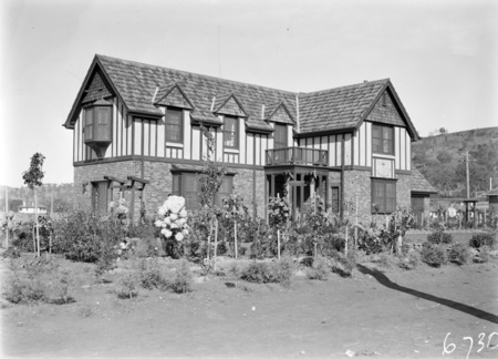 'The Dial House', home of Dr. R. J. Tillyard, Head of Entymology, CSIR, 2 Moresby Street, Red Hill. Note, sundial on the front facade of the house.