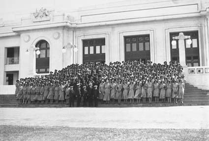 Group photograph of Young Australia League Party in front of Parliament House