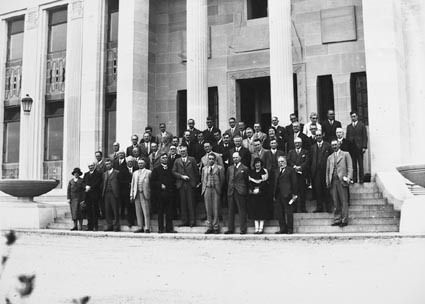 Delegates to a cancer conference in front of  the Australian  Institute of Anatomy, McCoy Circle, Acton