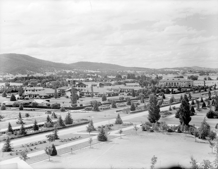 Commonwealth Avenue, Hotel Canberra and Albert Hall from West Block.