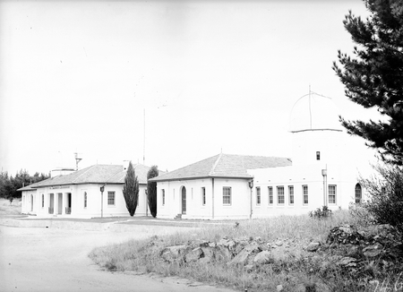 Commonwealth Solar Observatory Administrative Buildings, Mount Stromlo before installation of Solar Tower and Farnham Telescope.