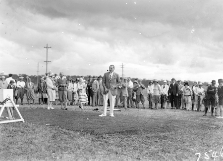 Opening of the extended Canberra Golf Course by Rt. Hon S. M. Bruce, who is ready to tee off.