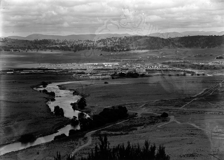 Panorama of Kingston area between Telopea Park, Printers Quarters, the Molonglo River, from Mount Pleasant.