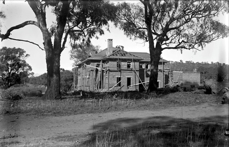 Prime Minister's lodge under construction, from the north. Adelaide Avenue,Deakin