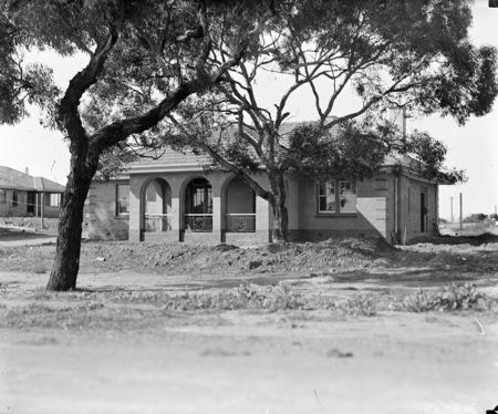 FCC (Federal Capital Commission) cottage.