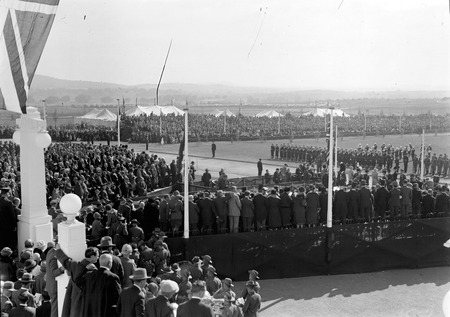 Royal Visit, May 1927 - View from the roof of the crowds at the front of Parliament House