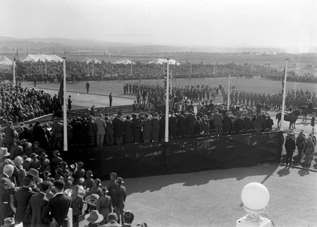 Royal Visit, May 1927 - Arrival of Duke and Duchess of York at Parliament House