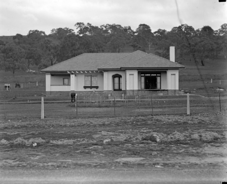 W G Woodger's cottage Mugga Way, Red Hill.